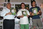 Farhan Akhtar unveils Chef Vicky Ratnani's book 'Vicky Goes Veg' Pic 2
