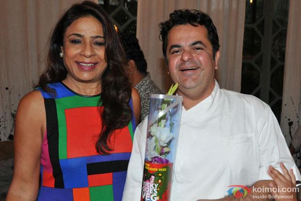 Farhan Akhtar unveils Chef Vicky Ratnani's book 'Vicky Goes Veg' Pic 1