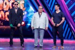 Jackie Shroff, Satish Kaushik and Sharman Joshi during the promotion of film 'Gang Of Ghosts' on the sets of 'Boogie Woogie'