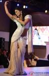 Shriya Saran At The GR8! Women Awards 2014