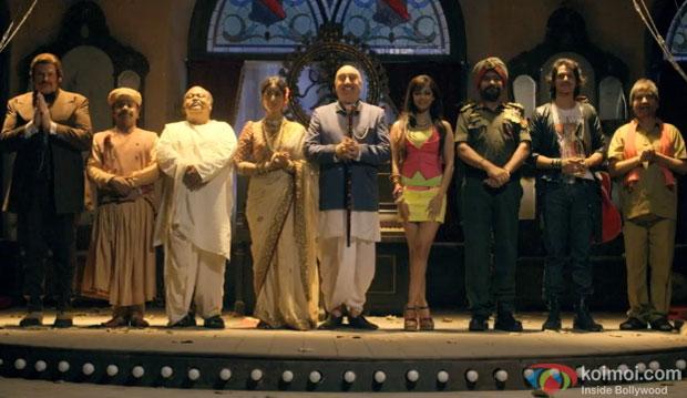 Jackie Shroff, Rajpal Yadav, Satish Kaushi, Mahie Gill, Anupam Kher, Chunky Pandey, Saurabh Shukla and Sharman Joshi in a still from movie 'Gang Of Ghosts'