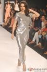 Kangana Ranaut sizzles the ramp at 'Lakme Fashion Week' 2014 Pic 3