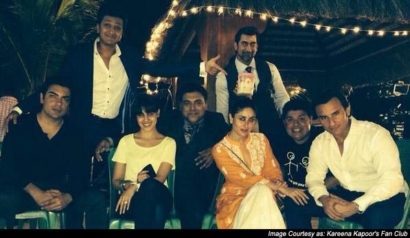 Ritesh Deshmukh, Genelia D'souza, Kareena Kapoor, Sajid Khan and Saif Ali Khan on the sets of 'Humshakals'