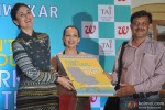 Kareena Kapoor launches book 'Don't Lose Out, Workout' Pic 4