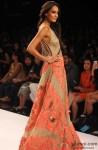 Lisa Haydon ramp walks at 'Lakme Fashion Week' 2014 Pic 2