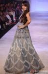 Malaika Arora Khan walks the ramp at 'Lakme Fashion Week' 2014 Pic 1