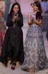 Malaika Arora Khan walks the ramp at 'Lakme Fashion Week' 2014 Pic 2