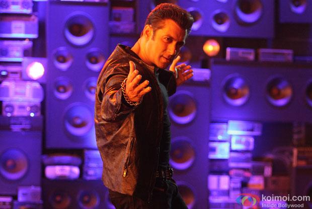Salman Khan in a 'O Teri' Title Song still from movie 'O Teri'