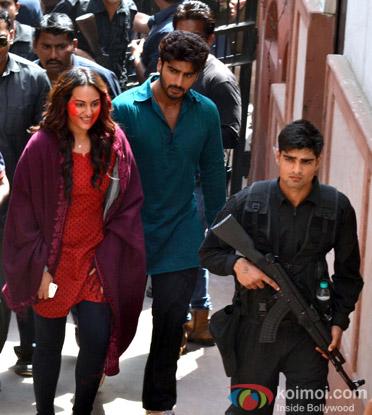 Sonakshi Sinha and Arjun Kapoor On The Sets Of 'Tevar'