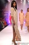 Priyanka Chopra dazzles at 'Lakme Fashion Week' 2014 Pic 3