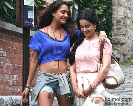 Lisa Haydon and Kangana Ranaut in a still from 'Queen'