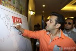 Salman Khan promotes 'Veer' campaign Pic 3