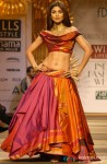 Shilpa Shetty walks the ramp at 'Wills Lifestyle: India Fashion Week' 2014 Pic 1