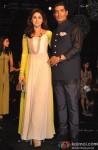 Urmila Matondkar and Manish Malhotra at Manish Malhotra's grand fashion show