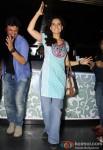Kangana Ranaut and Vikas Bahl Promotes 'Queen' In A Popular Mumbai Lounge Pic 2