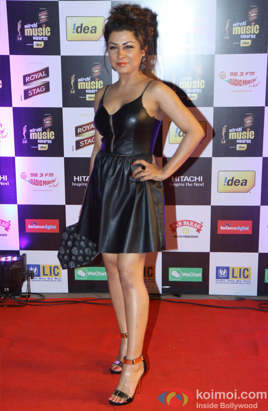 Hard Kaur poses at 6th Mirchi Music Awards 2014