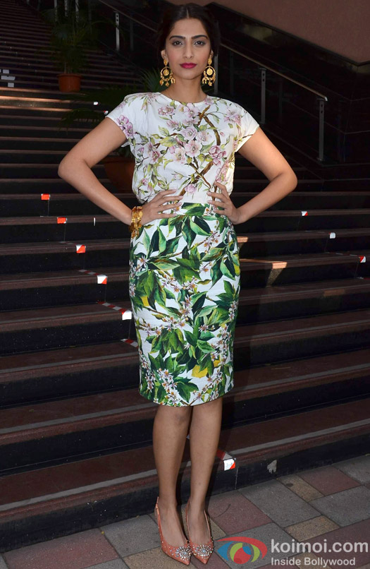Sonam Kapoor poses at Bewakoofiyaan's promotional event