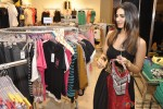 Vaani Kapoor unveils Max Summer 2014 collection Pic 3