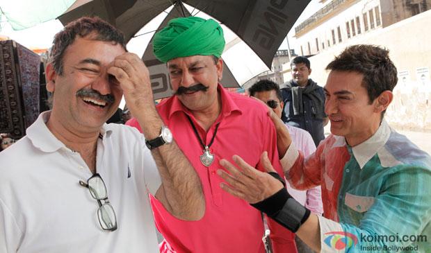 Rajkumar Hirani, Sanjay Dutt and Aamir Khan on the sets of movie 'P.K.'