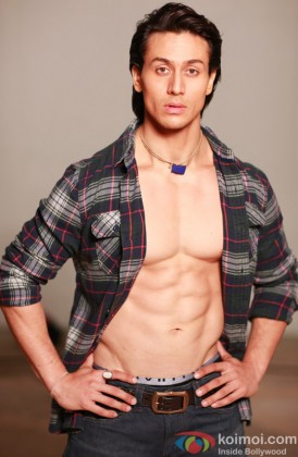 A Toned Tiger Shroff Flaunts His Abs