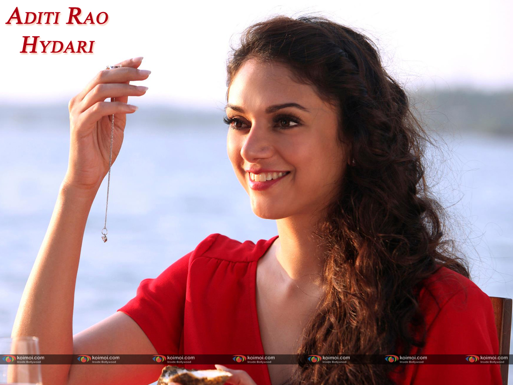 Aditi Rao Hydari Wallpaper 2