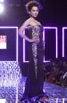 Kangana Ranaut walks the ramp at WIFW 2014 grand finale Pic 2