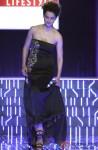 Kangana Ranaut walks the ramp at WIFW 2014 grand finale Pic 3
