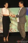 Kangana Ranaut and Aamir Khan at Indian Of The Year Awards ceremony