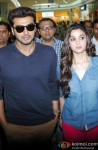Arjun Kapoor and Alia Bhatt during the promotion of film '2 States' in Bangalore Pic 2