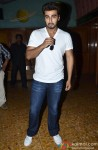 Arjun Kapoor catches audience's reaction for '2 States' Pic 3