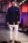 Akshay Kumar walks the ramp for Manish Malhotra's Men For Mijwan