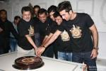 Vikramaditya Motwane, Vijay Singh, Karan Johar, Vikas Bahl, Ranbir Kapoor and Anurag Kashyap at the Bombay Velvet's wrap up party Pic 2