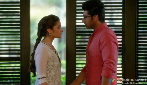 Alia Bhatt and Arjun Kapoor in a still Song 'Chaandaniya' 2 States