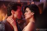 Tiger Shroff and Kriti Sanon in Heropanti Movie Stills Pic 5