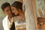 Akshay Kumar and Sonakshi Sinha in Holiday – A Soldier Is Never Off Duty Movie Stills Pic 1