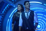 Sonakshi Sinha and Akshay Kumar in Holiday – A Soldier Is Never Off Duty Movie Stills Pic 1