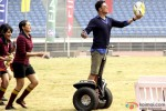 Sonakshi Sinha and Akshay Kumar in Holiday – A Soldier Is Never Off Duty Movie Stills Pic 4