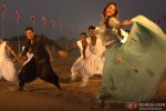 Akshay Kumar and Sonakshi Sinha in Holiday – A Soldier Is Never Off Duty Movie Stills Pic 3