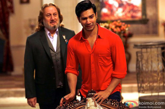 Anupam Kher and Varun Dhawan in a still from movie 'Main Tera Hero'