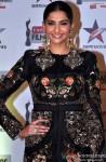 Sonam Kapoor at Filmfare Awards (East)