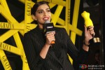 Sonam Kapoor at Grazia Young Fashion Awards 2014 Pic 1