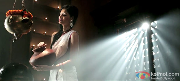Sonali Raut in a still from movie 'The Xpose'