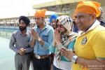 Zarine Khan visits Golden Temple while promoting 'Jatts James Bond' Pic 1