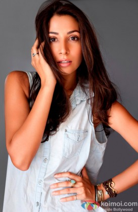 Monica Dogra Looks Stunning In A Photoshoot