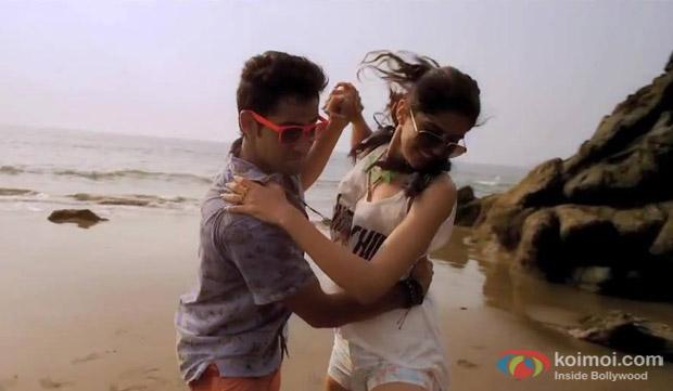 Armaan Jain and Deeksha Seth in a 'Maaloom' Song still from movie 'Lekar Hum Deewana Dil'