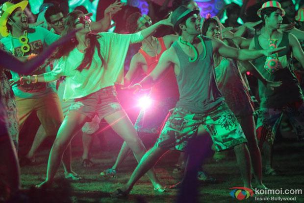 Deeksha Seth and Armaan Jain in a 'Khalifa' song still from movie 'Lekar Hum Deewana Dil'