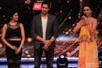 Prachi Desai, Sidharth Malhotra, Shraddha Kapoor Promote Ek Villain On 'Jhalak Dikhla Jaa' Season 7