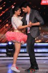 Sidharth Malhotra Performs With Kritika Kamra On 'Jhalak Dikhla Jaa' Season 7
