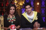 Farah Khan, Sidharth Malhotrara On 'Entertainment Ke Liye Kuch Bhi Karega'
