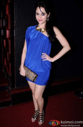 Hazel Crowney Looking Fabulous In Blue